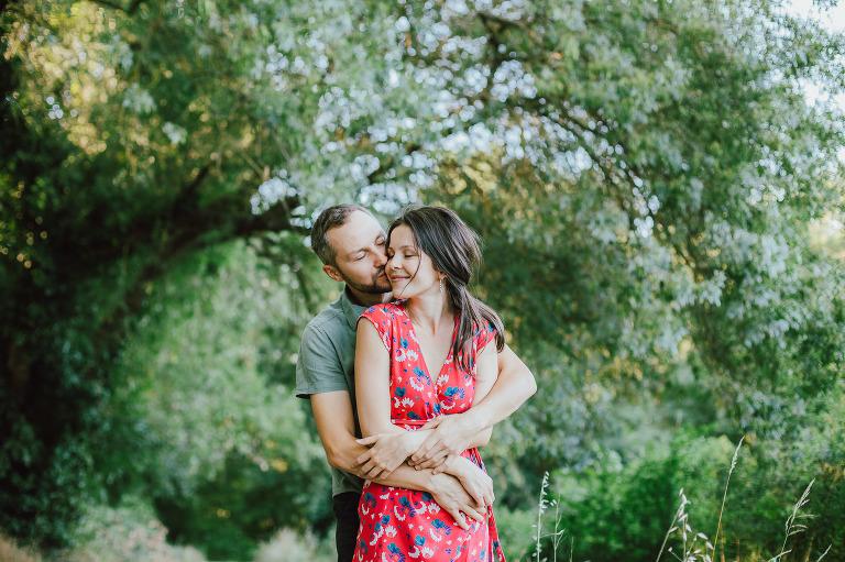 Séance photo pour 2 amoureux dans la forêt près d'Anduze